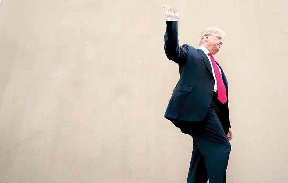 180619-trump-us-mexico-border-wall-njs-1033_18225cf0f2a7f170d6dc1c96f1c59867