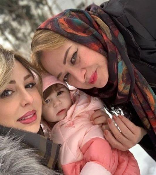 عکس خاص از نیوشا ضیغمی و دخترش لنا و مادرش