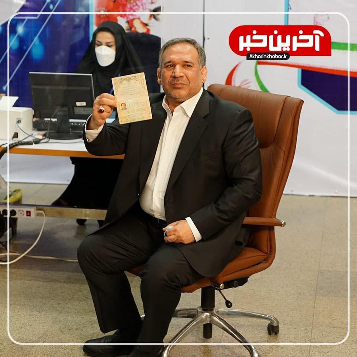 وزیر احمدینژاد: مصمم هستم در عرصه انتخابات باقی بمانم