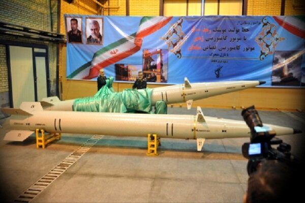 موشک «رعد ۵۰۰»  نسل جدید نقطه زن های کامپوزیتی ایران رونمایی شد