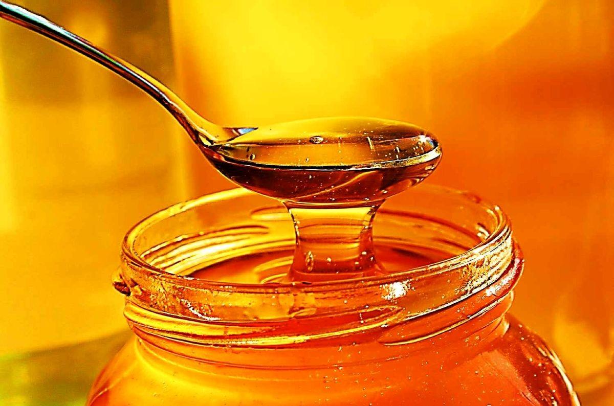 خواص بی نظیر آب و عسل