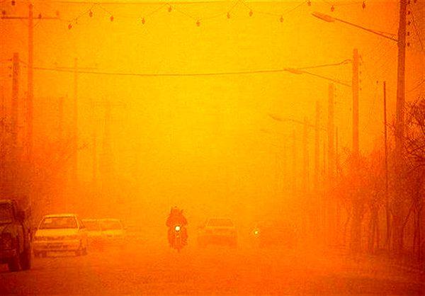خوزستان|دود هورالعظیم افق دید مردم آبادان را به کمتر از 4 کیلومتر رساند
