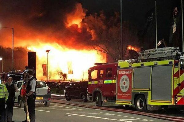 آتش سوزی بزرگ در جنوب لندن