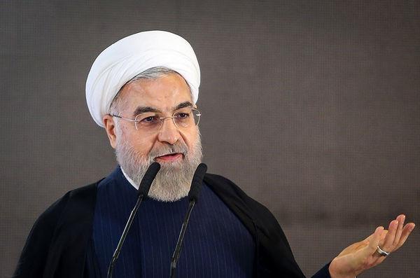 گفتگوی تلفنی اولاند و روحانی /  اولاند: فرانسه همچنان منتظر سفر جنابعالی است