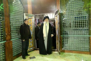 حضور رهبر انقلاب در مرقد امام (ره)