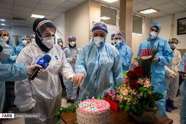 جشن تولد برای کادر درمانی بخش کرونا