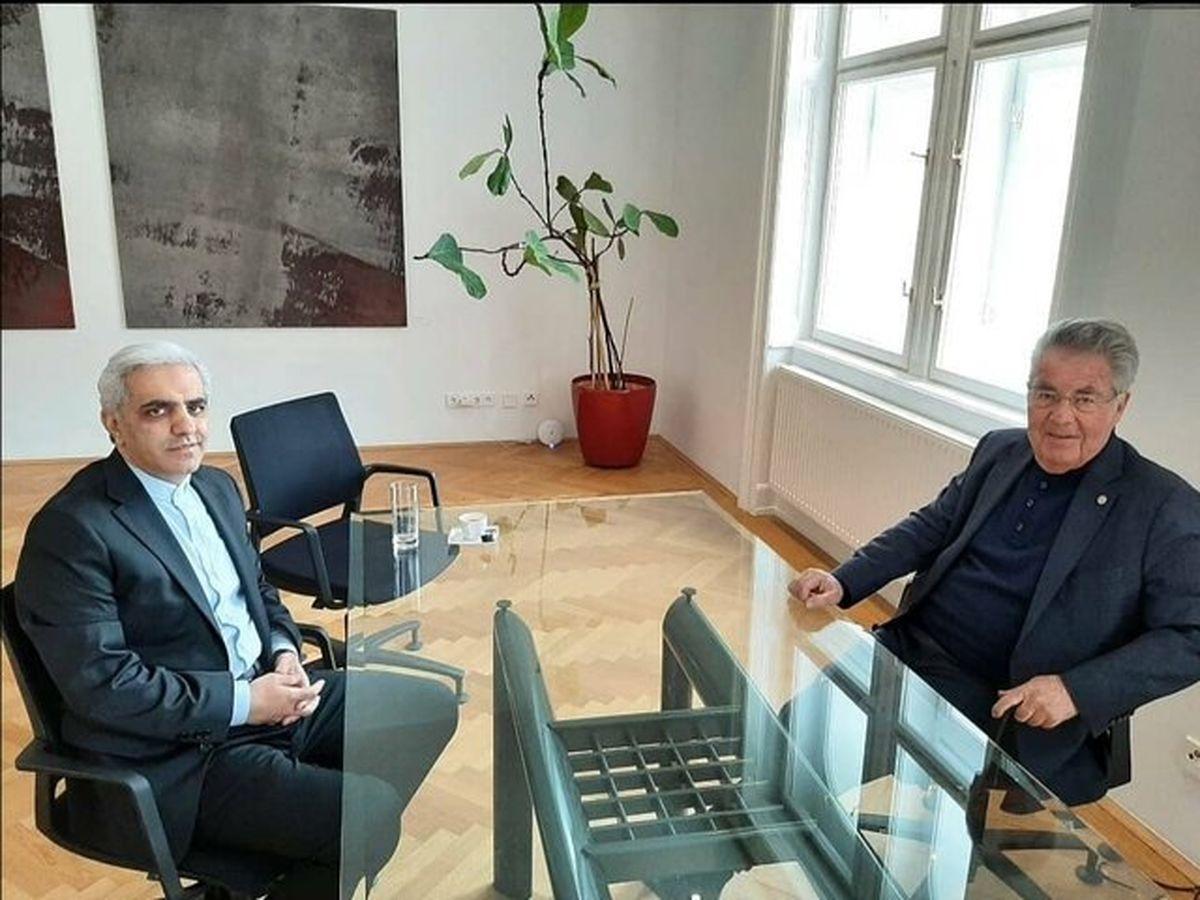 سفیر ایران با رئیس جمهور سابق اتریش دیدار کرد