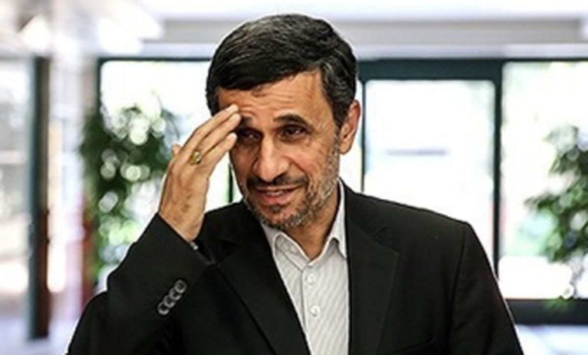 چرا محمود احمدینژاد کارهای عجیب و غریب میکند؟