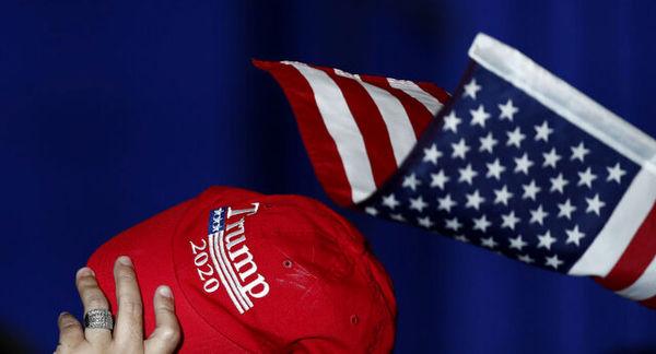 ضربوشتم دانشآموز آمریکایی بابت پوشیدن کلاه تبلیغاتی ترامپ