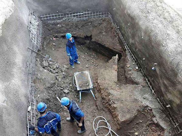 کشف سازهای  باستانی  تاریخی در زمین  کاخ جهانی گلستان/ عکس