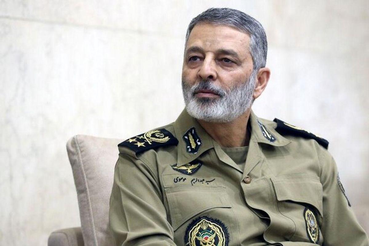فرمانده ارتش: توانسته ایم توان دفاعی مان را ارتقاء دهیم