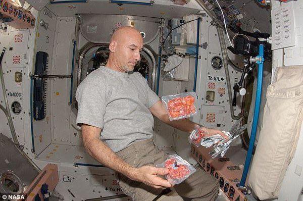 فریب خوردن معده فضانوردان بر اثر میکروگرانش