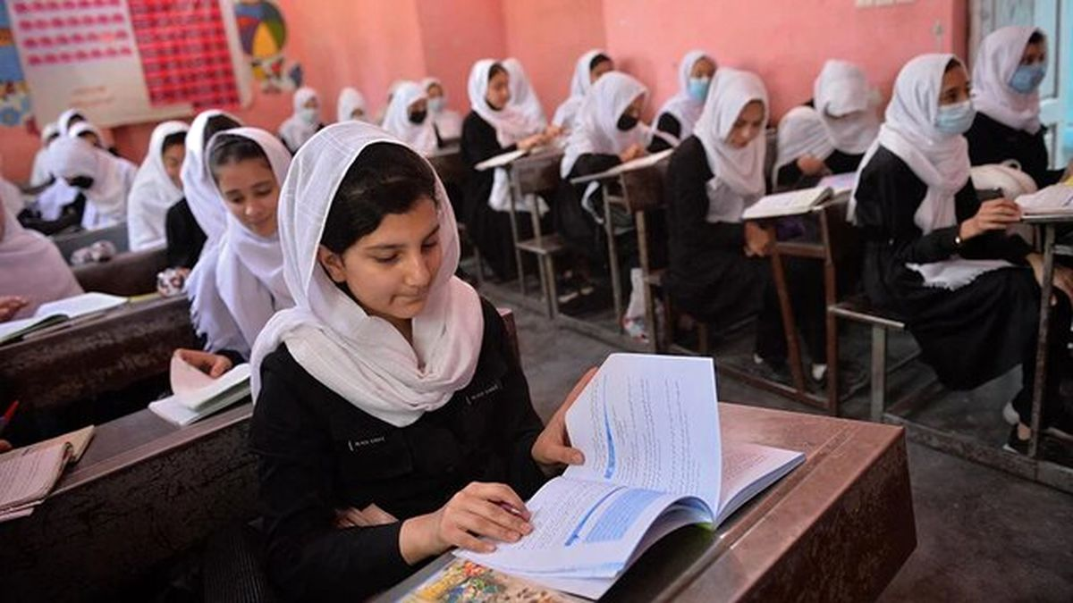 وزیر آموزش طالبان: زنان اجازه ورود به دانشگاه را دارند اما نه به صورت مختلط!
