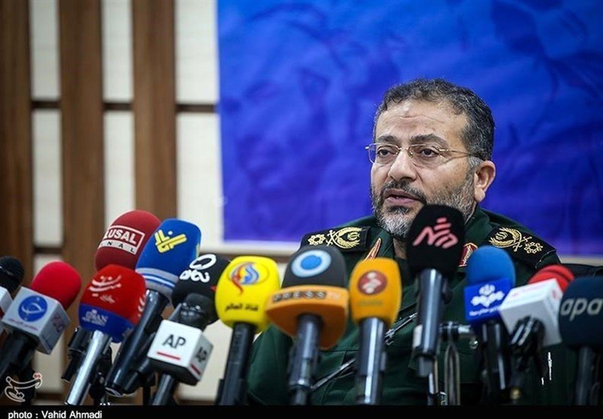 سردار سلیمانی: ما از عزت و شرف ملت ایران پاسداری میکنیم