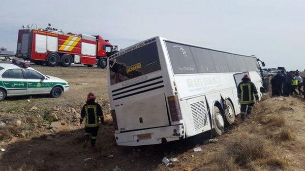 تصادف دو  اتوبوس در آزادراه تهران – کرج