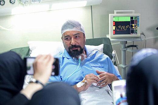 امیرحسین صدیق روی تخت بیمارستان