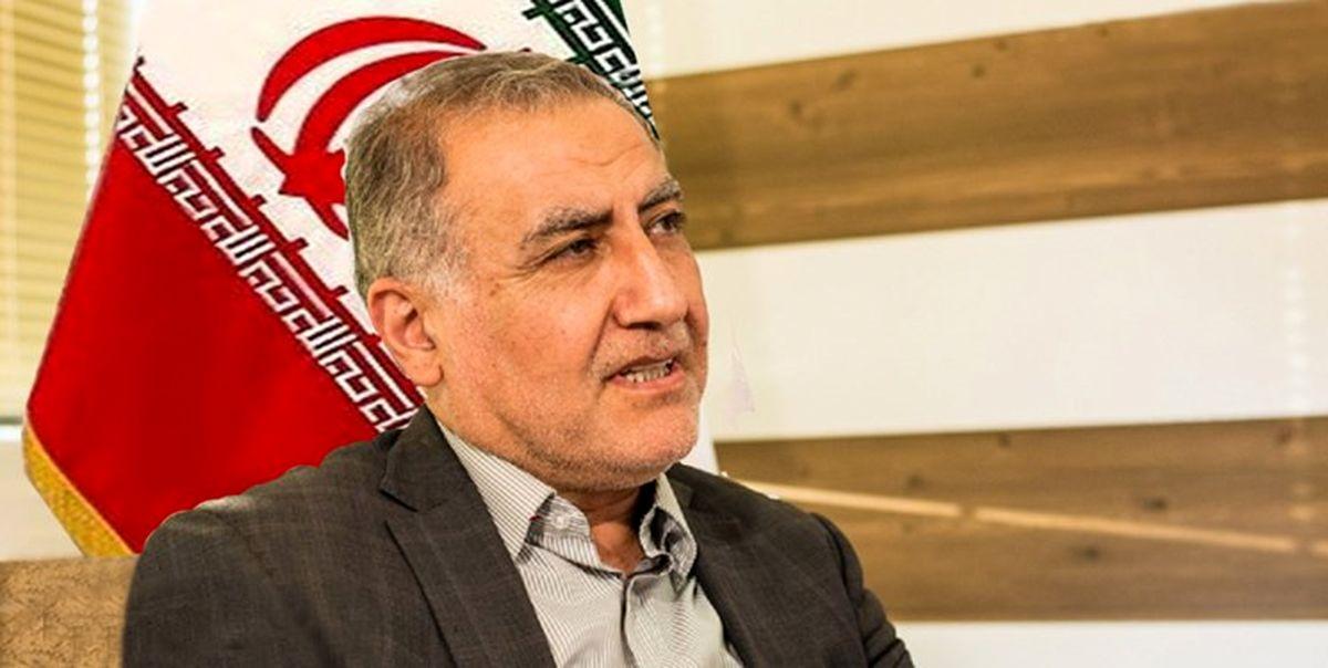 رئیس ستاد انتخابات احمدینژاد: با چشمانی گریان در انتخابات شرکت میکنم