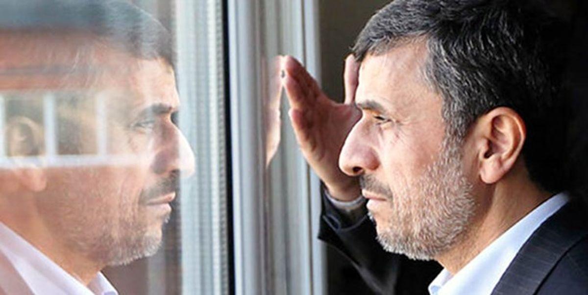 اصرار احمدینژاد بر تحلیلهای «نوستراداموسوار»