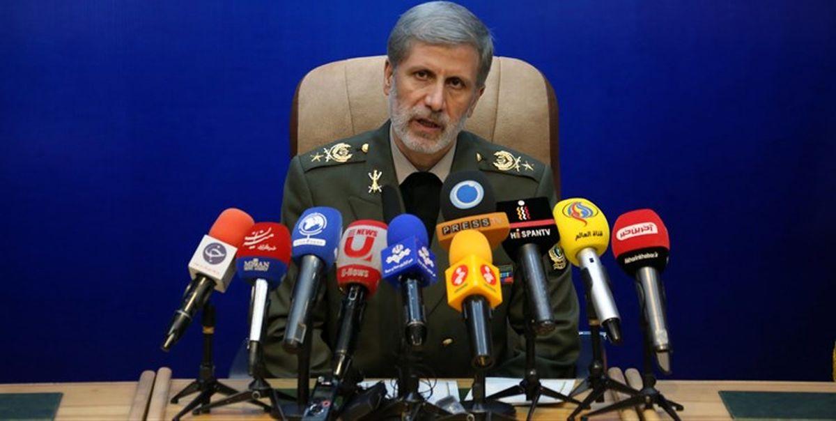 سخنان وزیر دفاع درباره تعقیب قاتلان شهید سلیمانی