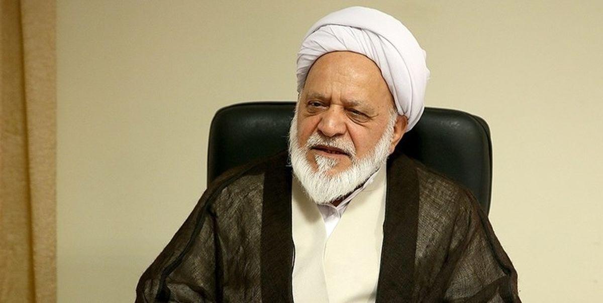 تعجب عضو مجمع تشخیص از رد صلاحیت لاریجانی