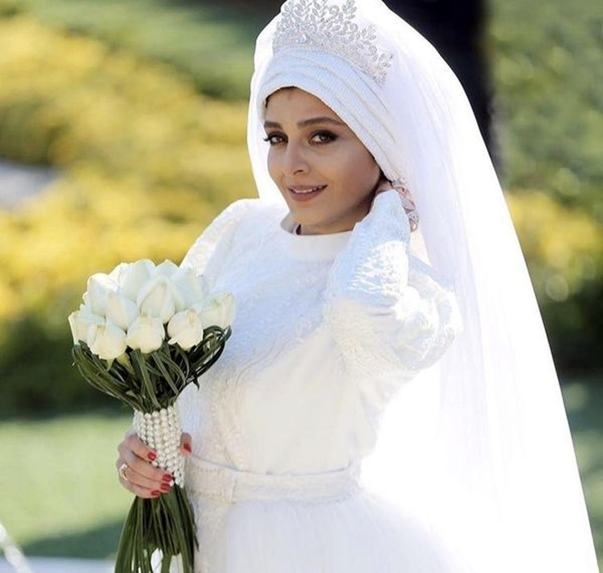عکس دیدنی ساره بیات در لباس عروس