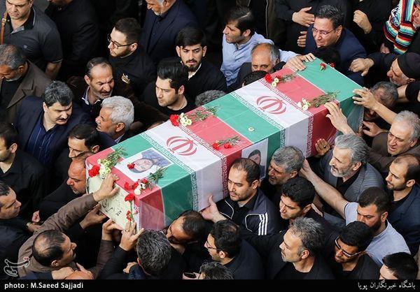 تبریز  پیکر مطهر شهید مدافع حرم با فریادهای مرگ بر اسرائیل در تبریز تشییع شد