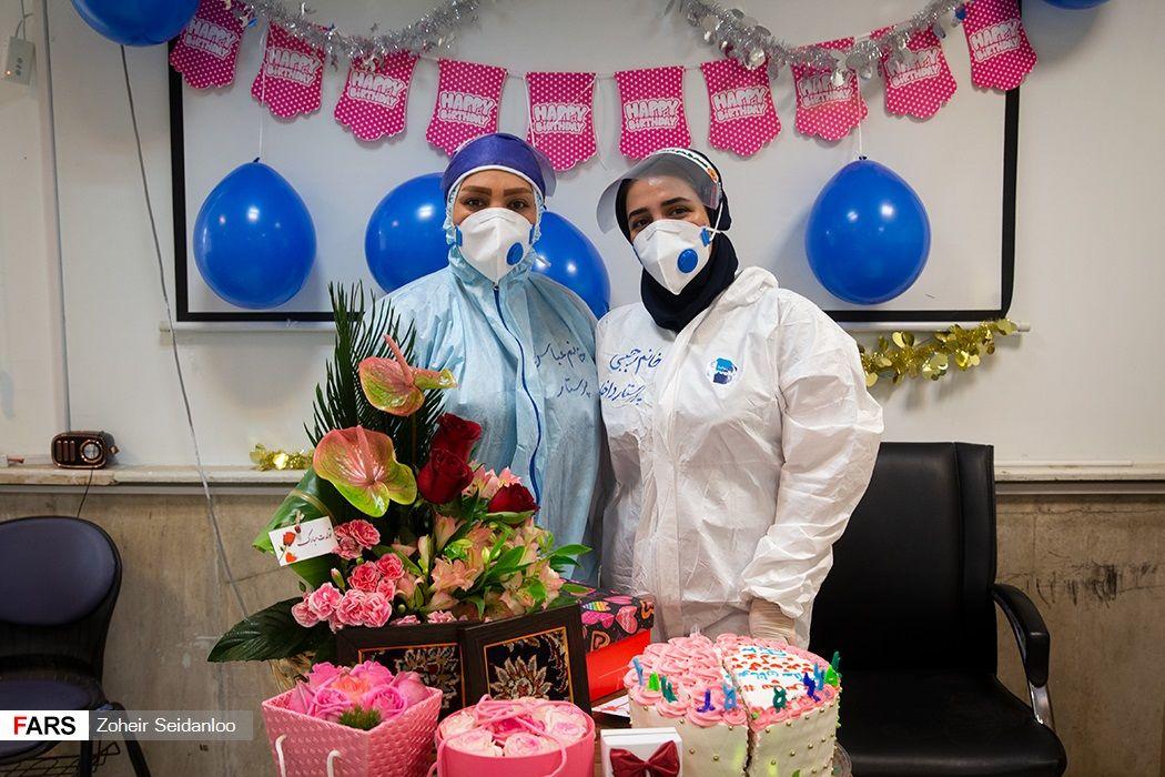 جشن تولد متفاوت برای کادر درمانی بخش کرونا + تصاویر