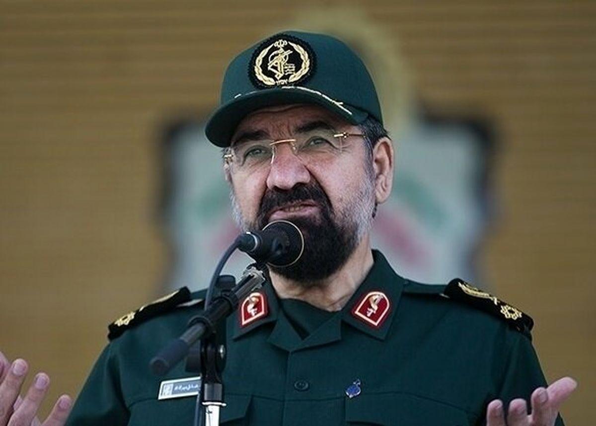 واکنش محسن رضایی به سیلی زدن یک نماینده: سرباز باشیم نه سربار